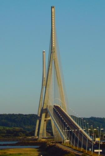 http://www.kabanya.net/weblog/Pont_normandie_depuis_aire_repos_nord.jpg